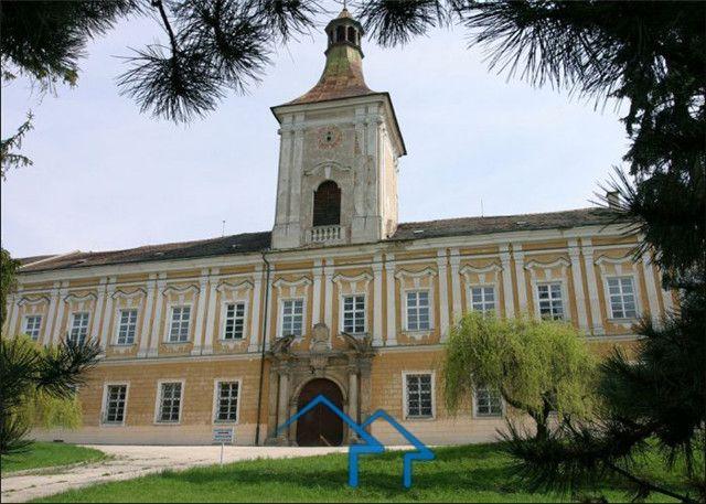 捷克 文艺复兴时期城堡 复古典雅 环境幽静 独一无二的投资机会
