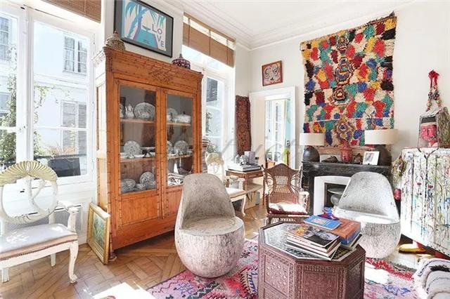 巴黎Paris第六大区一卧室舒适公寓 装修精美 风格现代简约 家具设施齐全 白天室内光线充足 邻近巴黎塞纳河畔