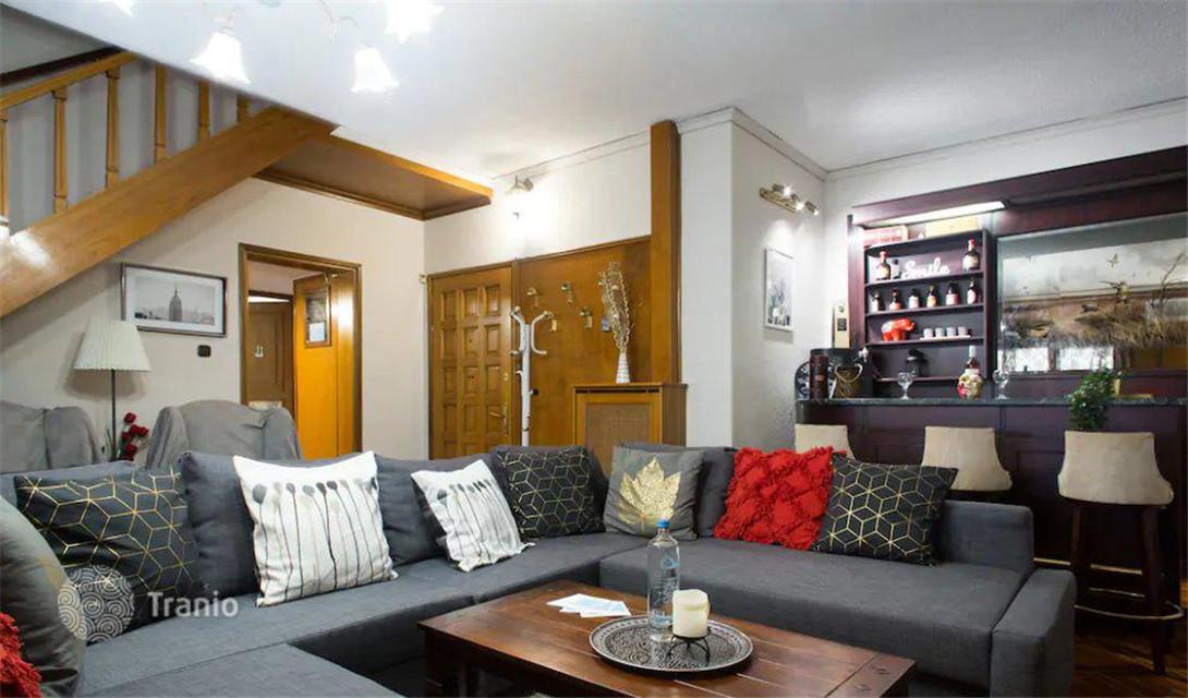 希腊雅典 复式顶层公寓 优越位置 阳光充足