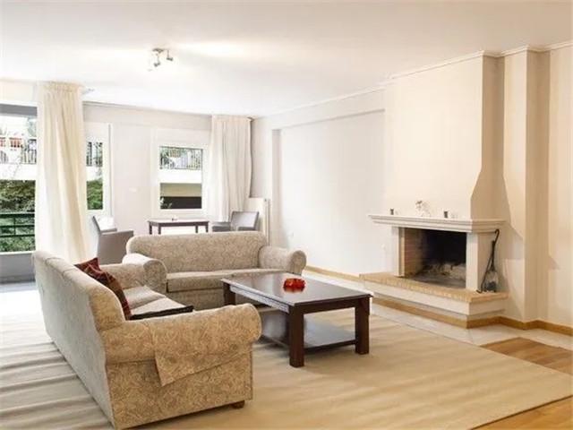 希腊 雅典Kalimarmaro 精美公寓 开放式客厅 位置优越 采光极佳